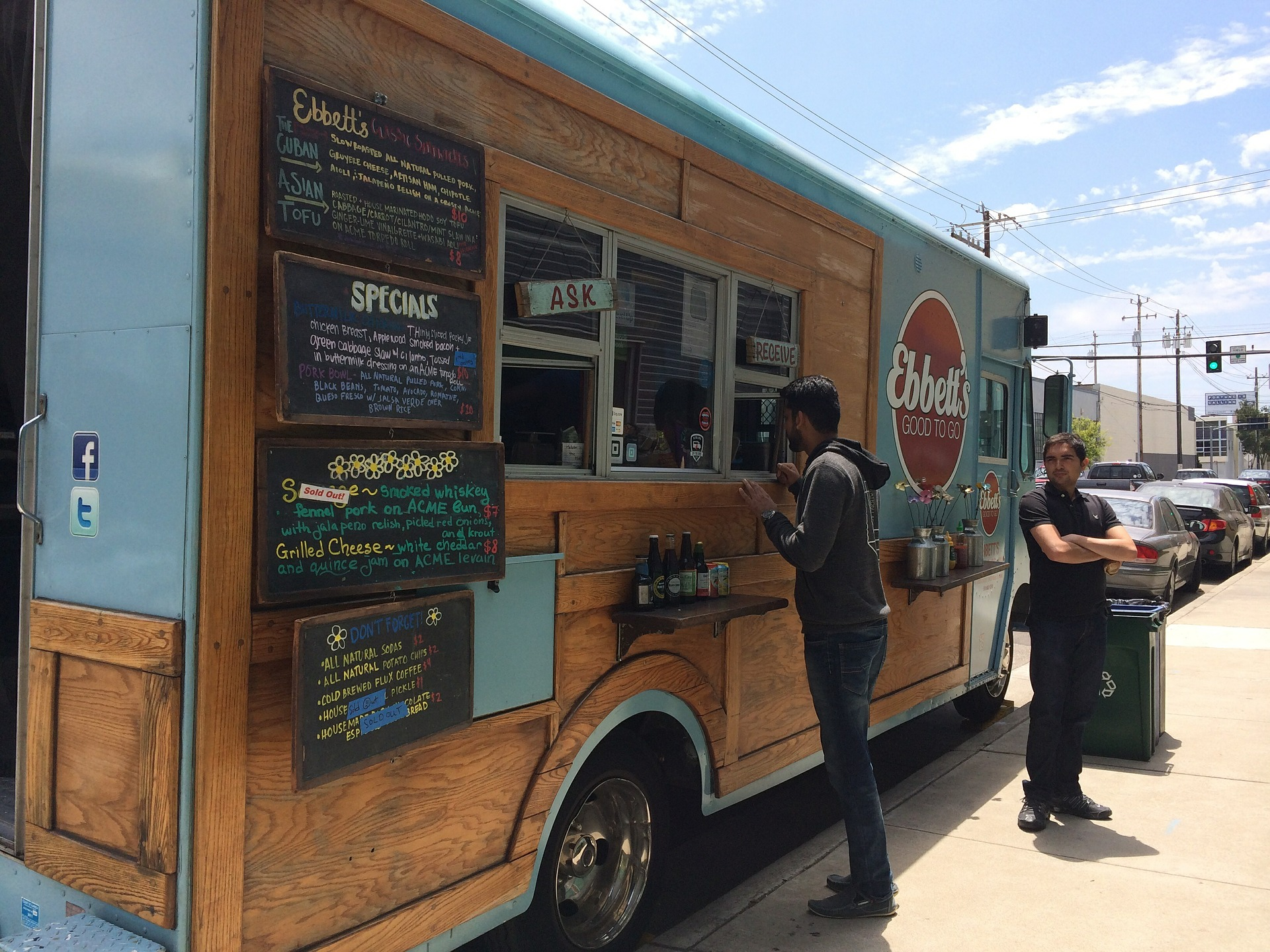 Here Are Some Food Truck Design Tips To Ensure The Maximum Visual Appeal